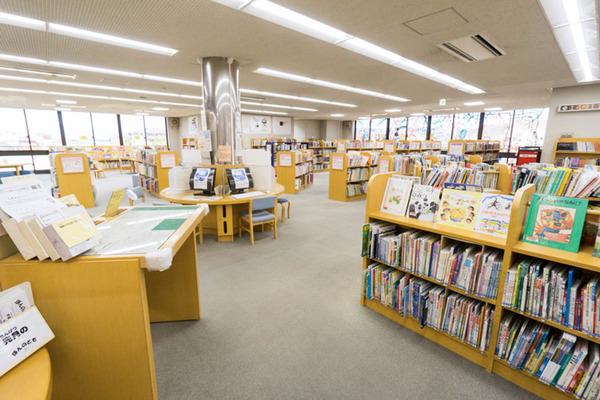 中央図書館-18082266