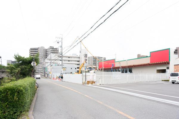 20170904キリン堂っぽい建物-2
