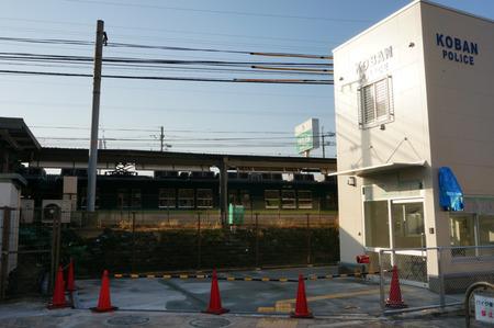 御殿山駅前交番130228-15