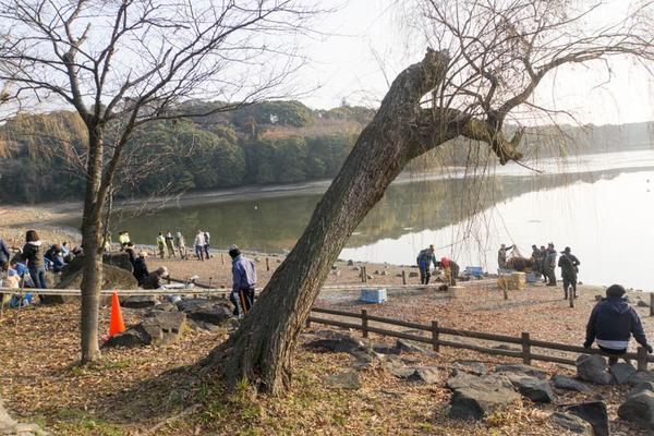 池の水全部抜く-1801201