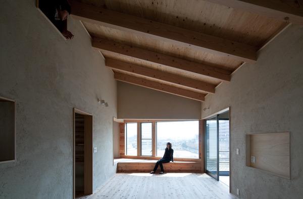 収納と眺望のある回遊式住居