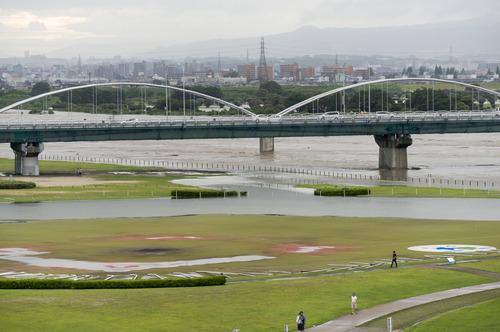 台風11号・淀川-8