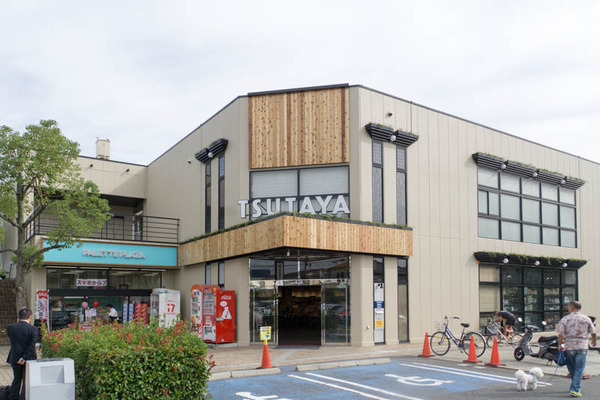 TSUTAYA東香里店2-1709301