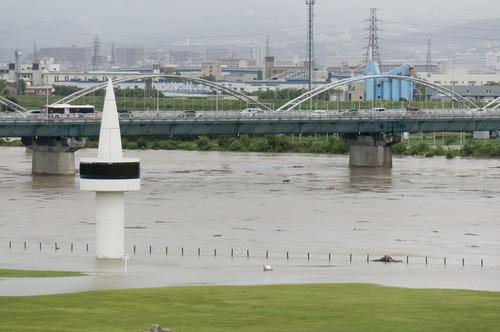 台風11号・淀川-7