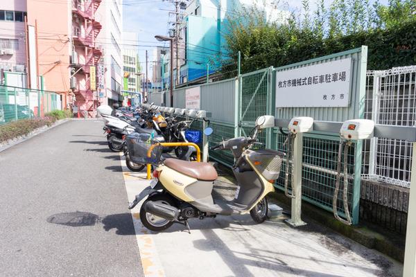 枚方市駅駐輪場-16101724
