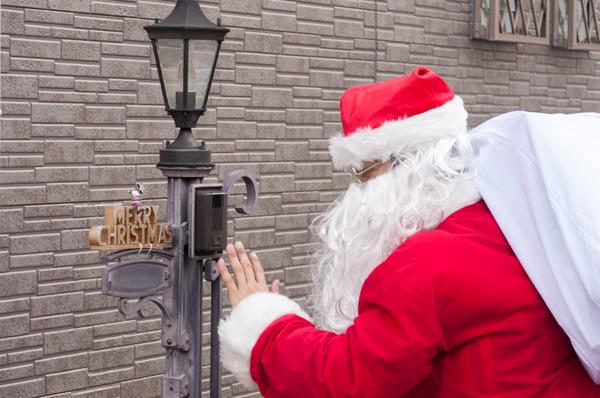 クリスマスのイベントもやるで!あの百貨店でおもろいことしてる「おもP」って一体何者?企画会議にも極秘潜入【ひらつー広告】