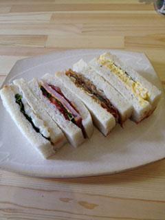 自家製パンのサンドイッチ初花2