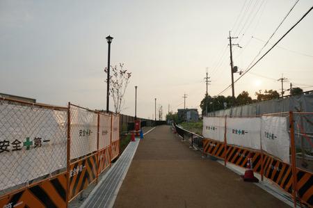 枚方茨木線歩道設置工事130815-18