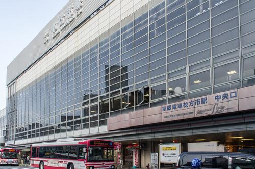 枚方市駅ロータリー-14081711