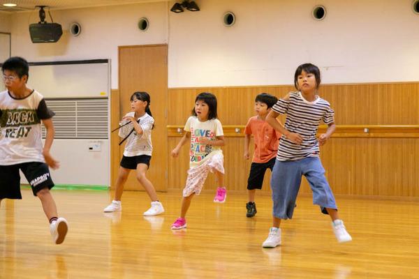 dance-18072869