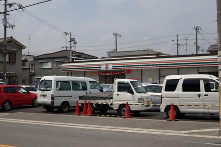 セブンイレブン枚方東船橋店130724-06