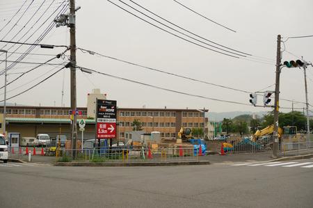 村野西町コンビニ130430-12
