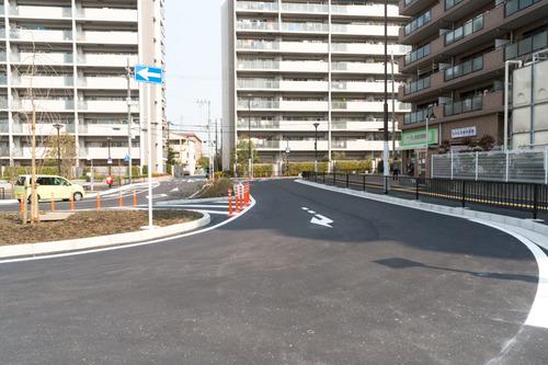 津田駅前-15031305