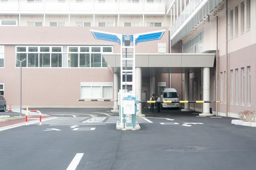 男山病院駐車場-1410219