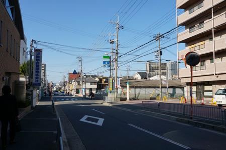 セブンイレブン寝屋川田井店130321-07