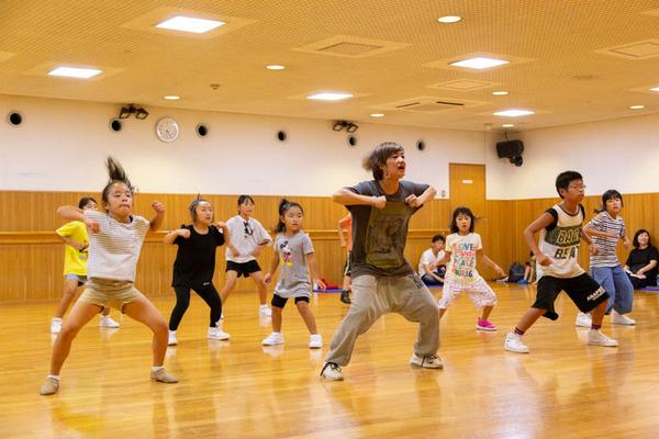 dance-18072863
