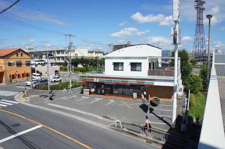セブンイレブン長尾谷町20120821100400