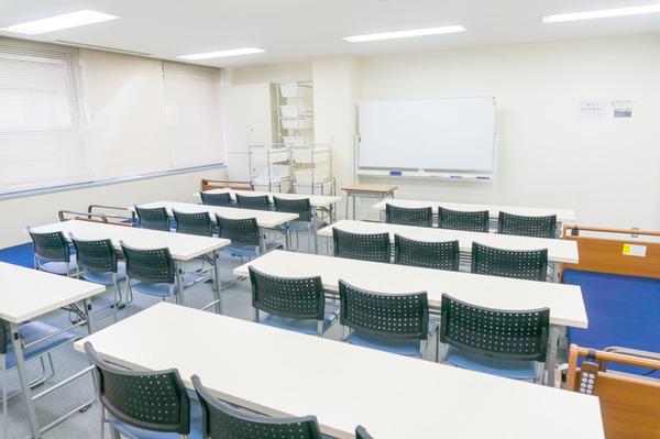 未来ケアカレッジ枚方校教室