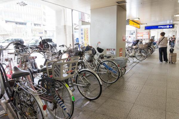 枚方市駅駐輪場-16101732
