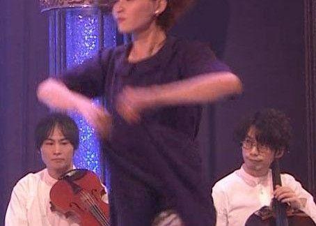 【放送事故】NHK歌番組でお姉さんのパンモロ