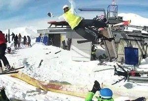 スキー場のリフト故障で逆走