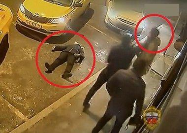 タクシー運転手、ケンカ売ってきたDQN2人を一瞬でKOしてしまう…