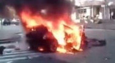 車に仕掛けられた爆弾