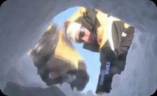 雪崩救助犬の訓練風景