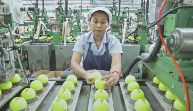 テニスボールの製造工程