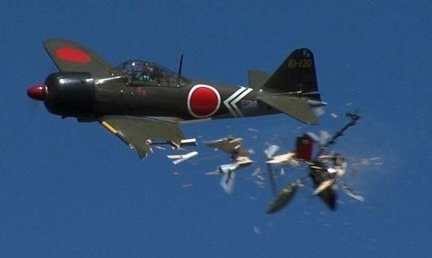ゼロ戦のラジコンの墜落