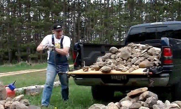 荷台の荷物を降ろす方法