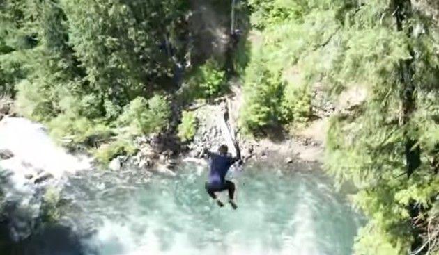 滝からの大ジャンプ特集