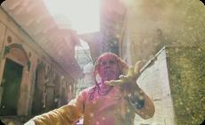 インドのヒンズー教徒のホーリー祭の芸術的動画 (1)