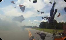 バイクの事故動画liveleak