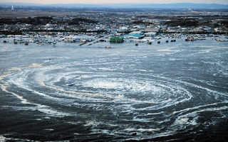 東北地震の渦巻き津波画像と予言 (1)