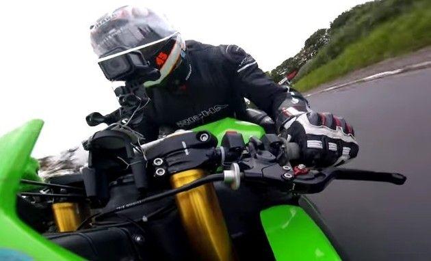 マン島TTのバイク視点