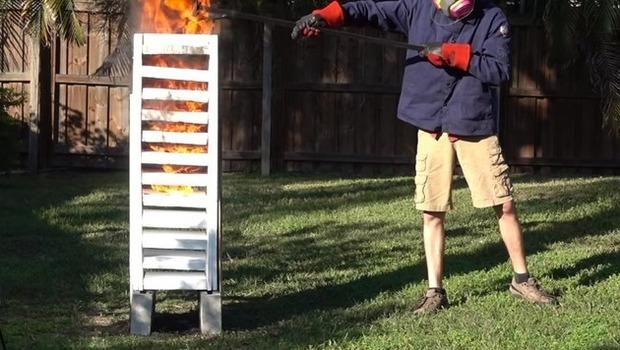 スチロールに焼けた鉄球実験