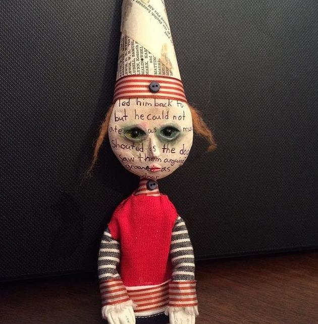 カナダの少年の人形芸術 (8)