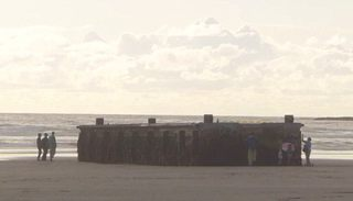 流れ着いた船のDOCKと津波デブリ問題