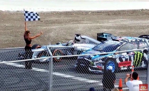 ラリーカーとF1カーの対決