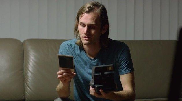 【動画】 古いポラロイドカメラに映り込んだ不思議な影。ショートフィルム。
