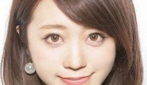 アジアの女の子が目を大きくする