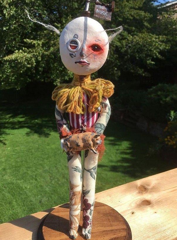 カナダの少年の人形芸術 (4)