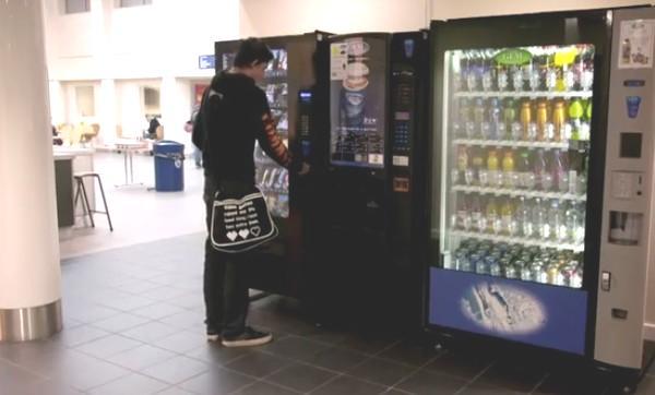 自動販売機の仕組み、内部構造画像