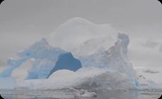 南極の流氷が崩壊、爆発映像