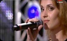 プロの歌手すら疑ったアイダの美声