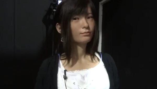 日本女性のアンドロイドロボット