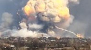 ウクライナの武器庫が爆発