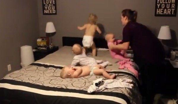 三つ子と幼児の母親の苦労