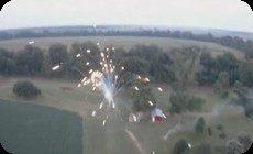 ラジコン飛行機と花火